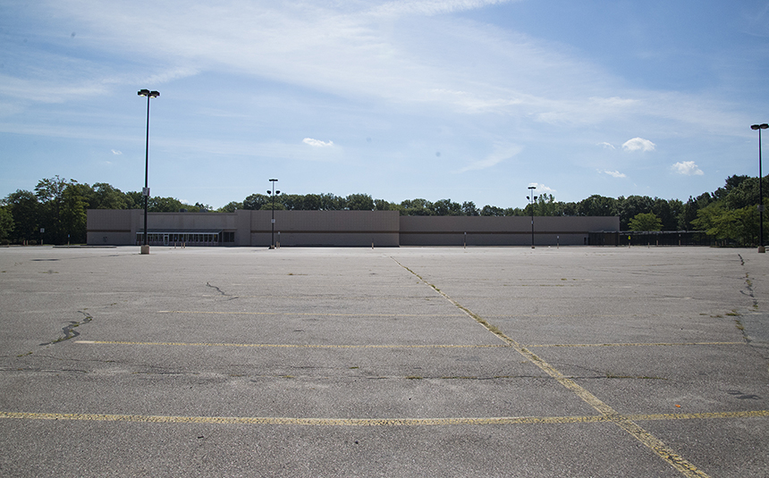 This Walmart on Diamond Hill Road in Woonsocket has been sitting vacant for nearly five years. (Joanna Detz/ecoRI News)