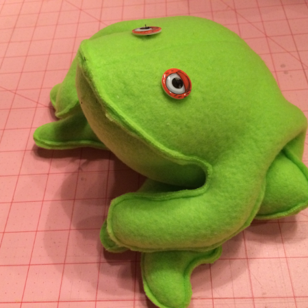 I made this frog to commemorate my visit to Angels Camp, CA . You can read about it and find information on the frog pattern in my post.