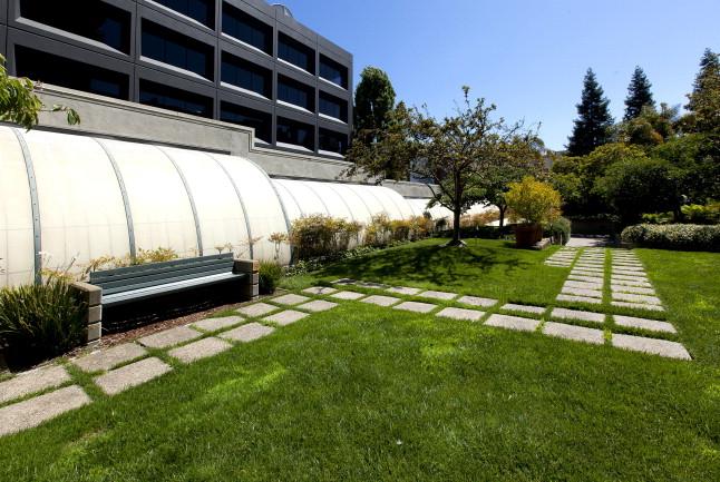 300_3rd512 Courtyard3.jpg