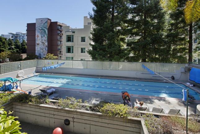 300_3rd512 Pool.jpg