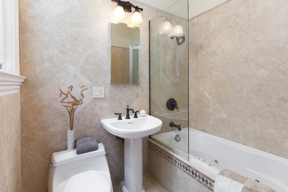 245Pierce Bath.jpg