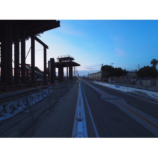 #6thstreetbridge #michaelmaltzan #bridge #night #boyleheights #construction #constructionsite #losangeles #california #olympus #omd #工事 #工事現場 #橋 #夜 #ロサンゼルス #カリフォルニア