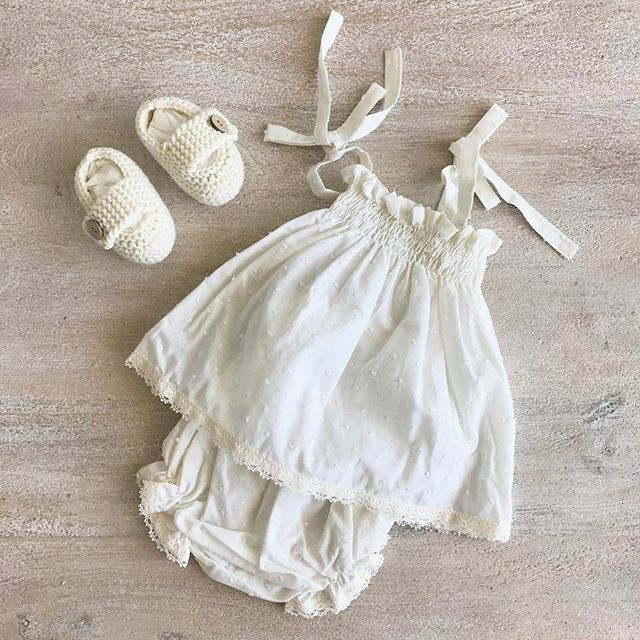 California - Ivory plumetti. Feel the summer ✨✨✨ (Size 12-18 months)  #baby #clothing #BabiesAreBabies #Collection #handmade #MadeInSpain #summer #plumetti #little #lady #fashion #kids #European #style #babyfashion #Melbourne #australia #RowingAndCo