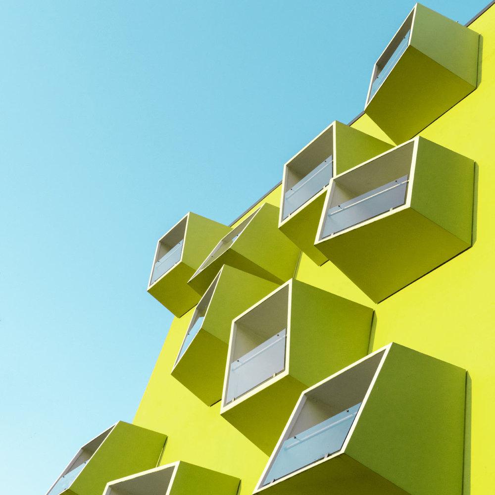 yellow_building_06.jpg