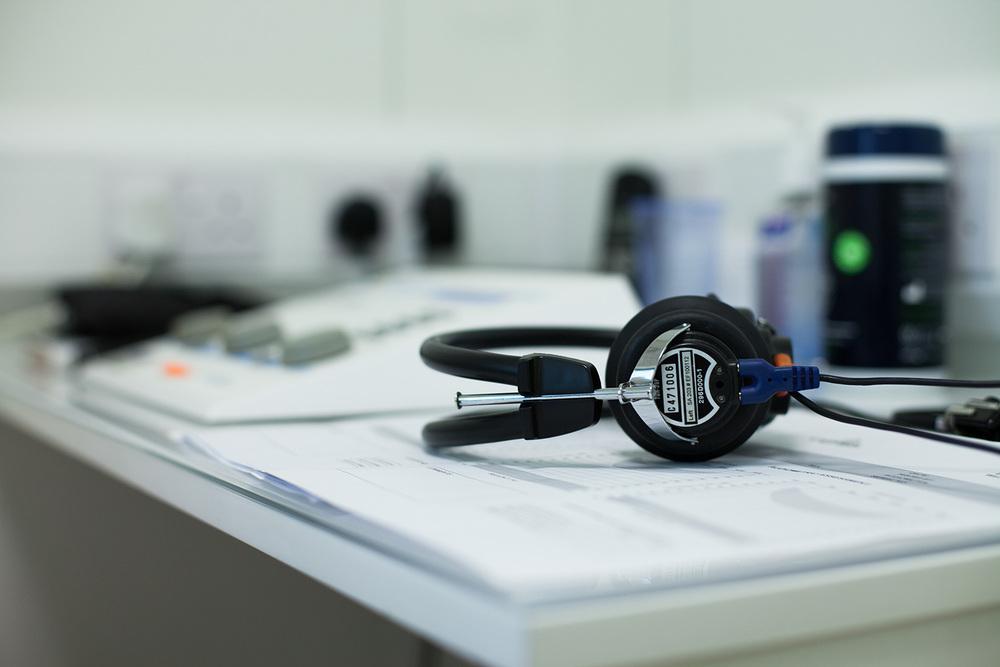 london-childrens-clinic-headphones