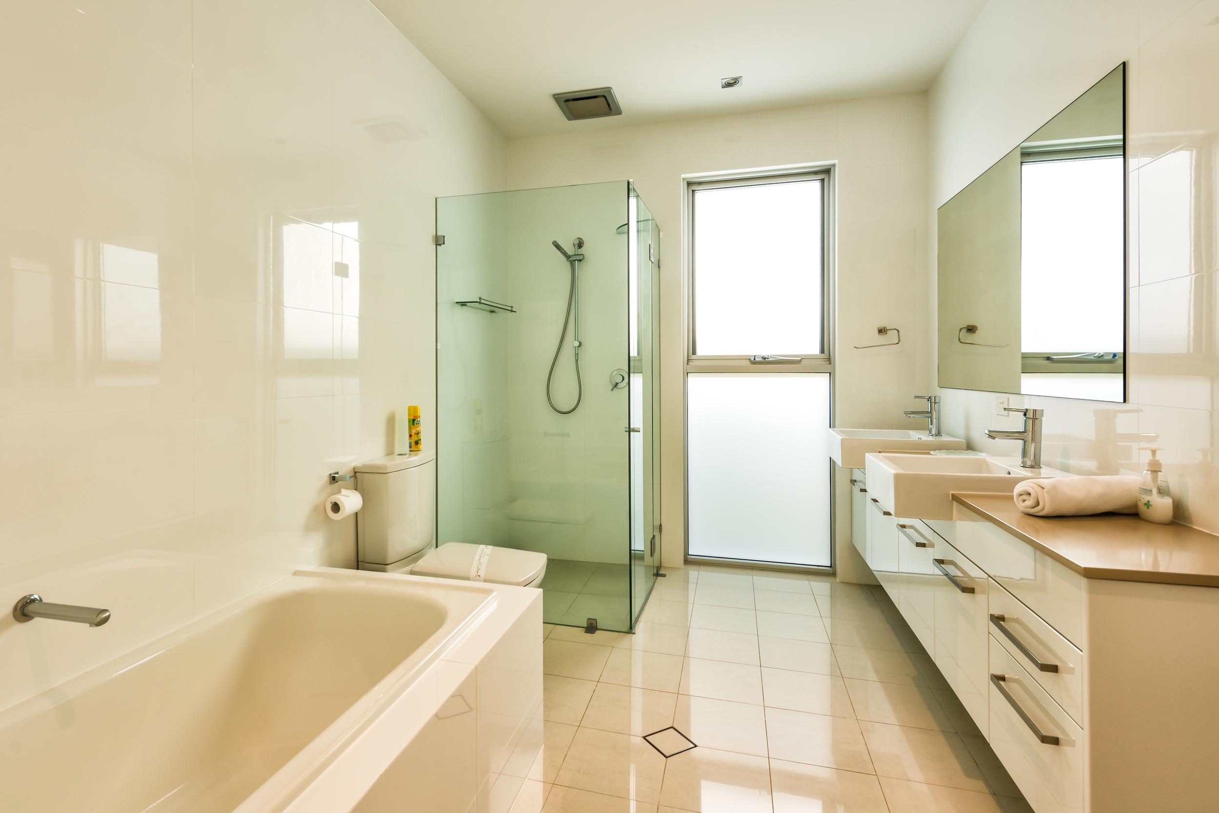 Main bathroom - SA Beachhouse