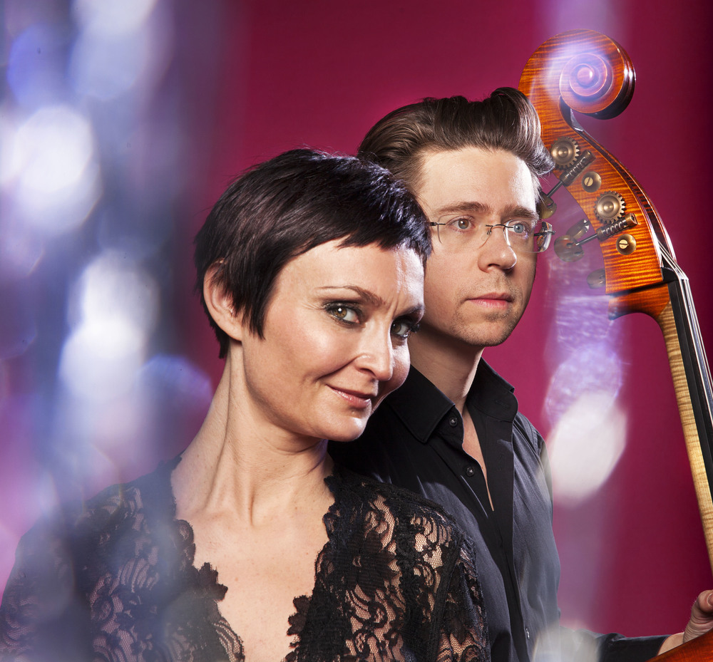 Unni Løvlid and Håkon Thelin will perform with Julie Fowlis, Annie Ebrel, Gergana Dimitrova, Ulla Pirttijärvi in the theme production Vocal ConneXions. Photo: Ingvil Skeie Ljones.
