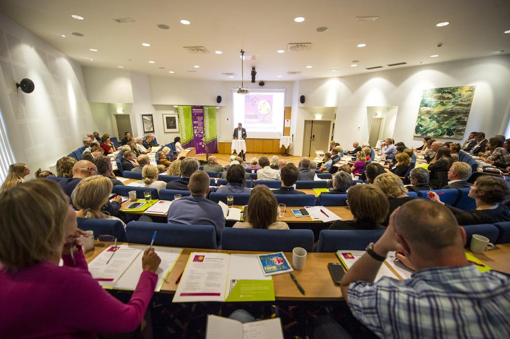 Fjorårets konferanse samlaeit hundretals deltakarar. Foto: Geir Birkeland.