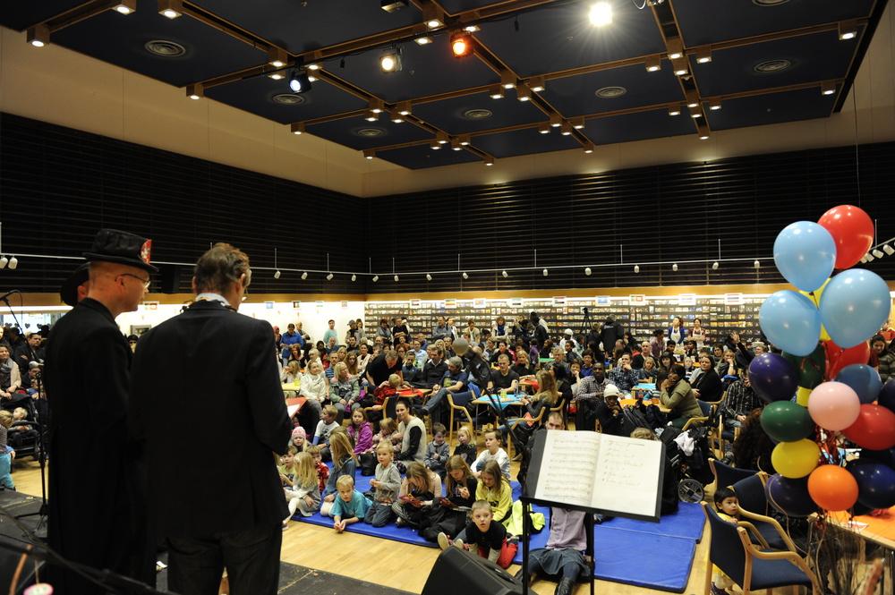 Her er frå opninga av Bornas Verdsdagar i 2014. Foto: Arve Ullebø.