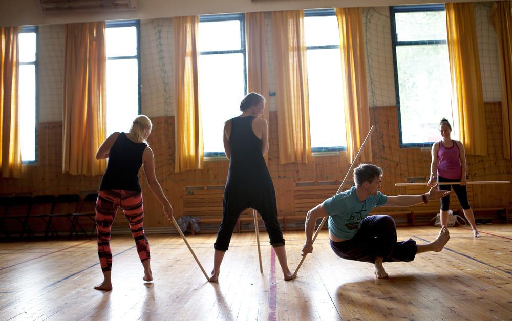 IMG_3778 - gokarma yoga - 2. juli - førde barneskule - heidi hattestein.jpg