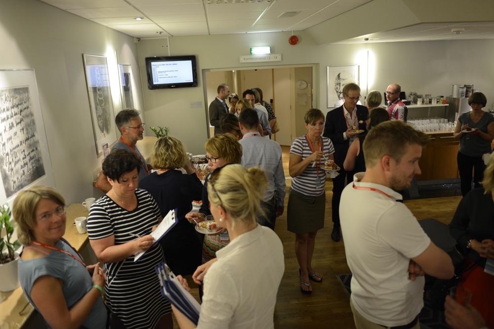 Førdekonferansen gjev også rom for gode diskusjonar i pausane. Her frå Førdekonferansen 2015. Foto: Arve ullebø