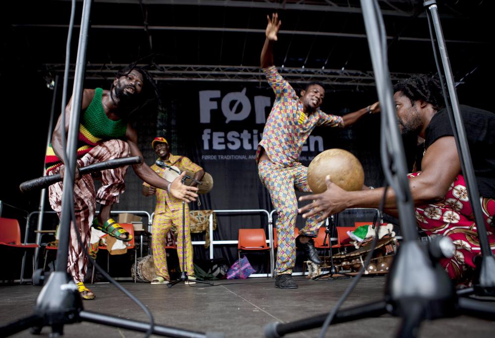 2014 - king ayisoba & band - heidi hattestein - IMG_2361.jpg