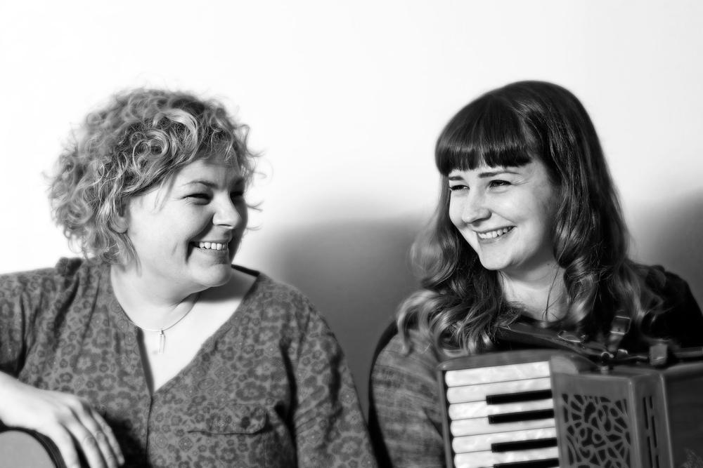Mairerad Green og Anna Massie. Foto: Ricky Frew