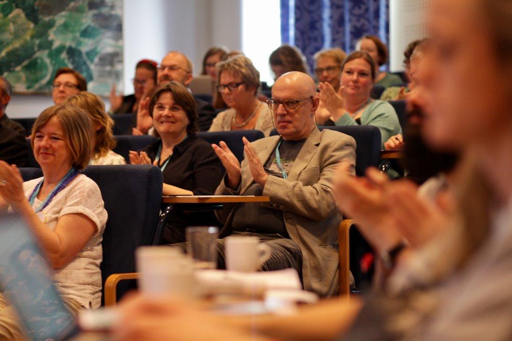 Førdekonferansen vert arrangert i Amfi Eikaas på Scandic Sunnfjord Hotel & Spa, og har plass til eit 100-tals deltakarar. Foto frå 2017: David Bowen