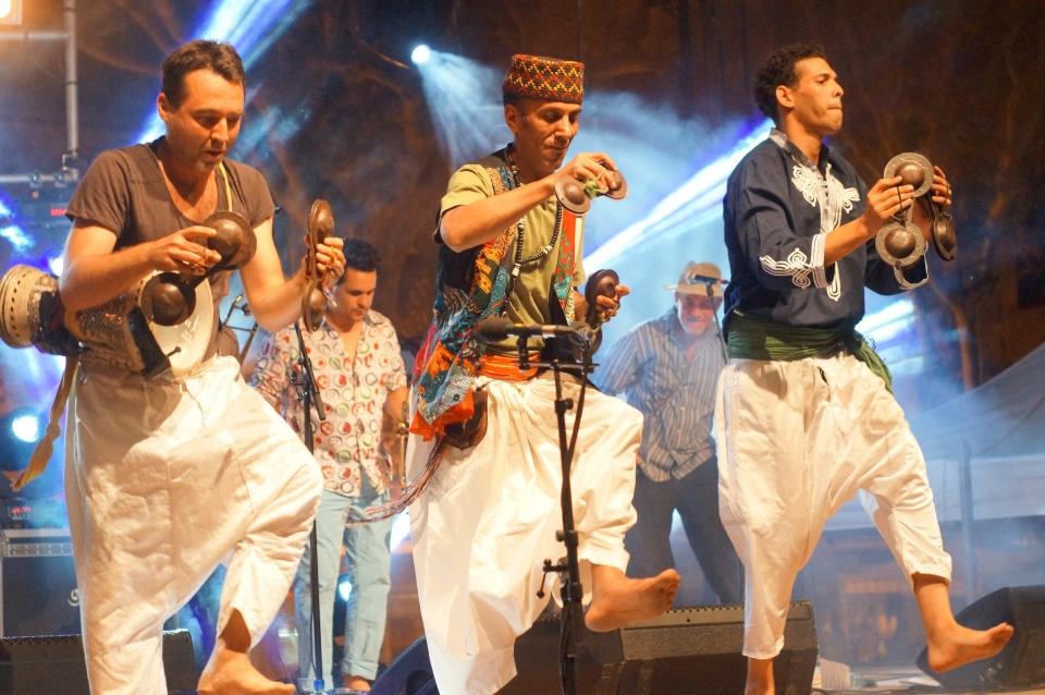 Fanfaraï Big Band, spelar på Sommarnatt på Jølster. Foto: Selma Brd