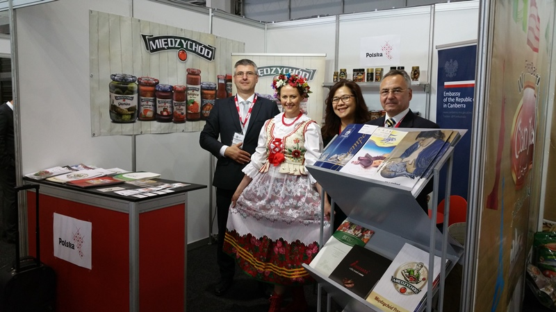 Polish Stand Fair Food Sydney 2015 Marek Kijewski Counsellor (Economic Affairs)  Mirek& Antonia.jpg