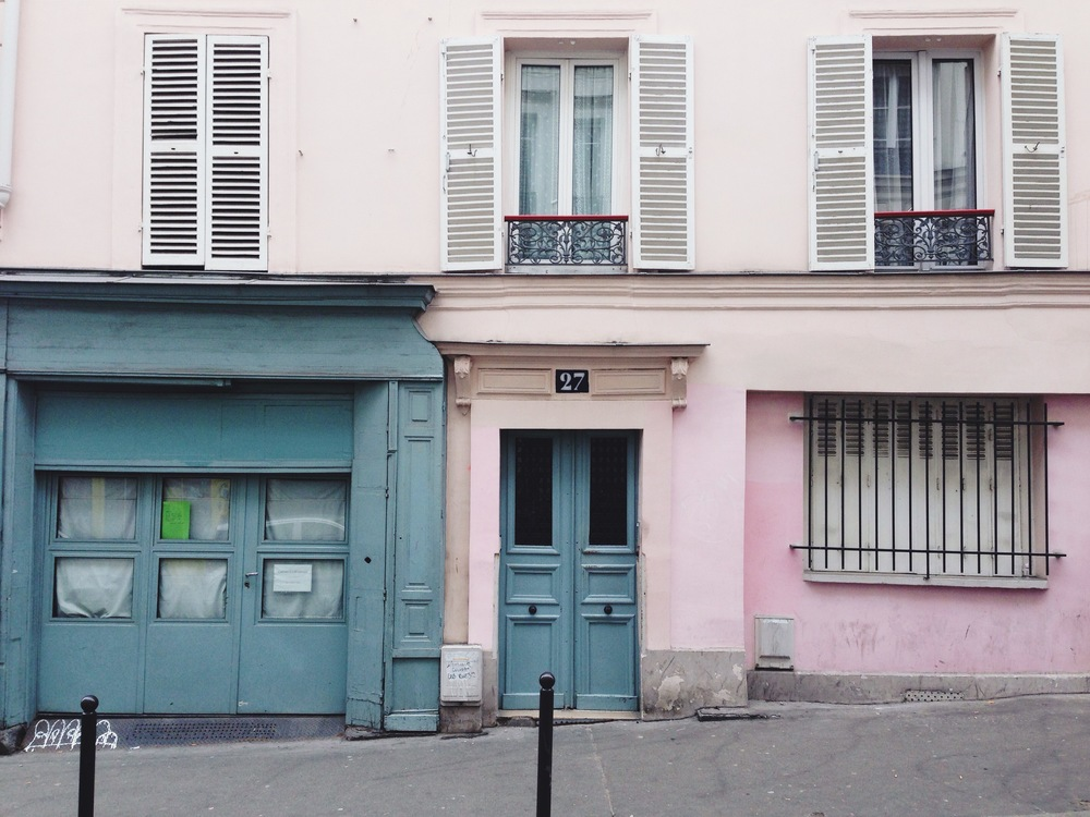paris-beautiful_door_color_scheme