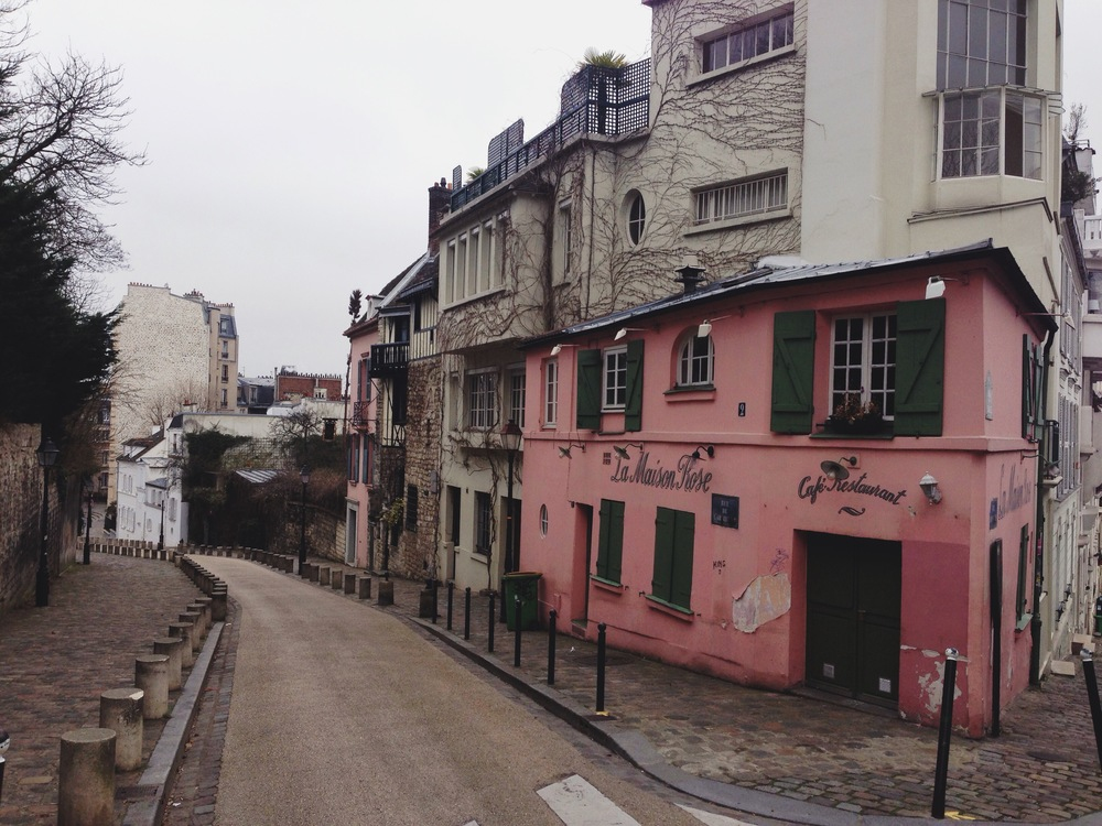 paris-le_maison_rose_corner