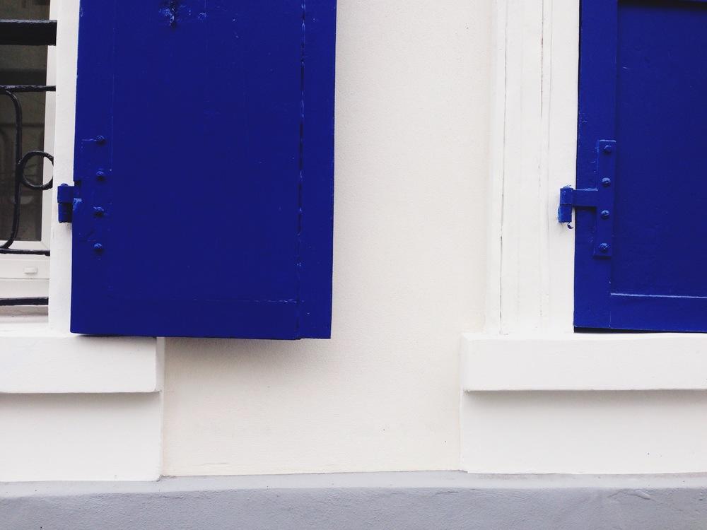 paris-mediterranean_blue_shutter_detail