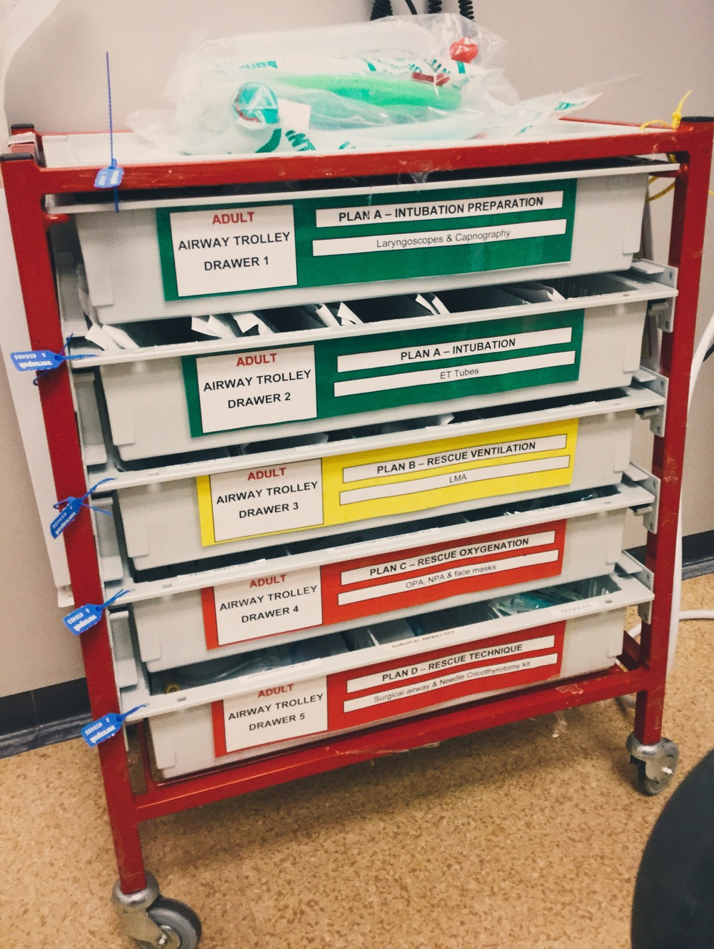 Standard Airway trolley