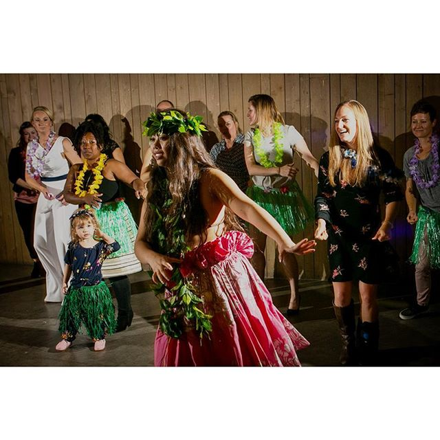 The brides eloped in Hawaii and brought back a taste of the islands for everyone in attendance at their #coloradowedding #reception - #hula #weddingphotography #weddingphotojournalism