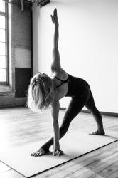 de la sol yoga.jpg