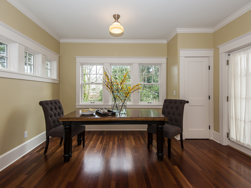 2408 NE 27 Breakfast Nook.jpg