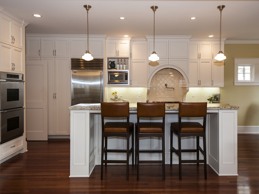 2408 NE 27 Kitchen Island.jpg
