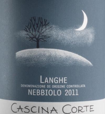 Traubensorte100% Nebbiolo WeinbeschreibungGärung in Edelstahltanks, Ausbau in grßen Holzfässern und Tonneaux (24 Monate) und Flasche (12 Monate)