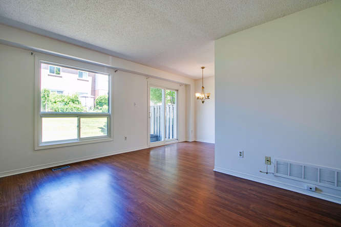 10 Bassett Blvd TH212 Whitby-small-015-20-LivingDining Room-666x444-72dpi.jpg