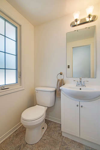 10 Bassett Blvd TH212 Whitby-small-026-57-Powder Room-334x500-72dpi.jpg