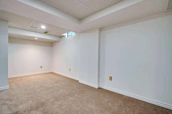10 Bassett Blvd TH212 Whitby-small-048-42-Recreation Room-666x444-72dpi.jpg
