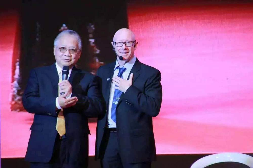 I met valent lee over 15 years ago and he has been a friend and colleague since. I was honored to speak at his conference and attend his birthday party. over 1000 people came to celebrate him!.