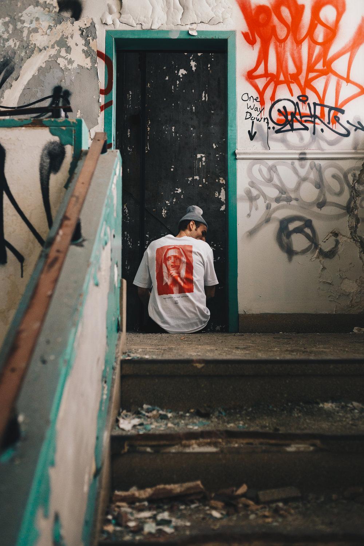 White - Back - 003.jpg