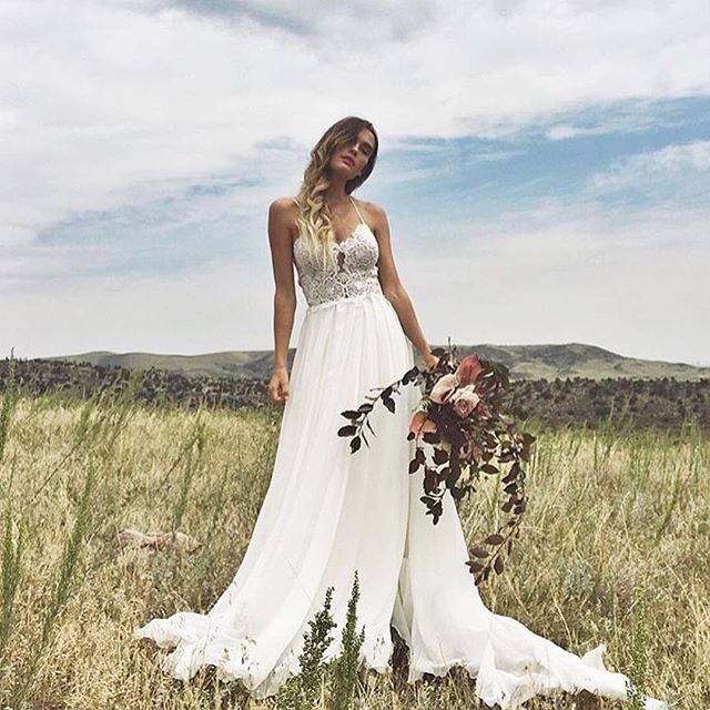 One more good reason you can't miss our @sarahseven trunk show and RTW popup in Seattle next month, the Whitman gown! It's one of our new favorites and looking extra incredible thanks to the ladies of @aandbe_bridalshop ✨ Grab one of the last spots for the Sarah Seven trunk show 9/9-11 at our Seattle boutique! If you've already found your gown, don't miss our #SarahSevenDaily RTW popup for the cutest party dresses and killer work outfits. No appointment needed for the RTW popup!