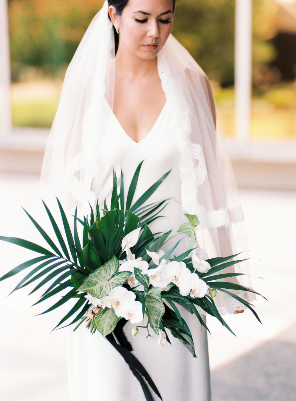 black-white-green-wedding.jpg