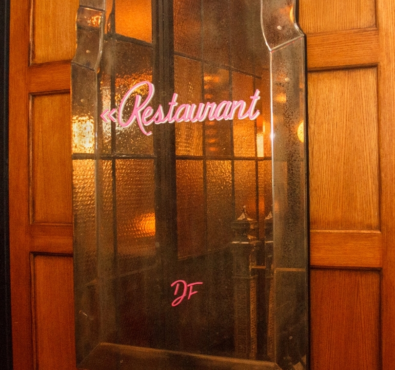 monogram, vintage, custom, sign, restaurant, paint, window, glass, lettering, typography, handlettering, hand-lettering, calligraphy, chalkartist, chalk, chalkboard, gold gilding, gilding, signage, lesley johnson, handmade, quality, design, installation, mirror, directional signage