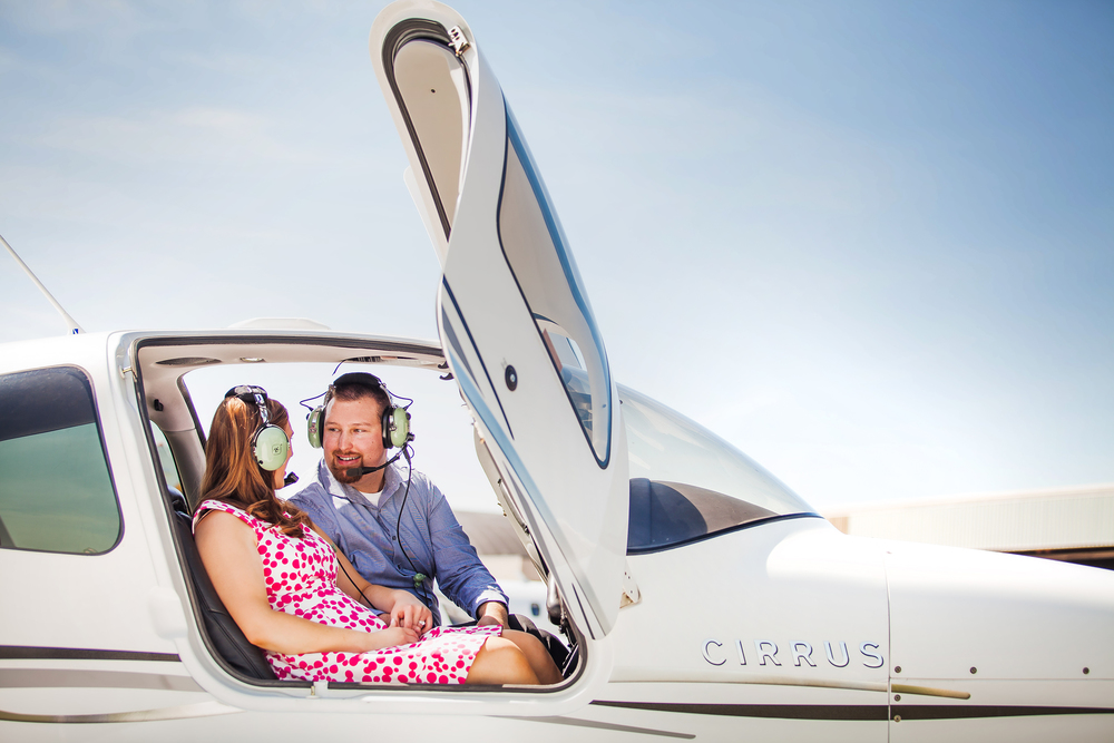 air plane engagement session.jpg