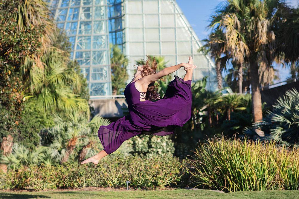 senior portraits dance 32