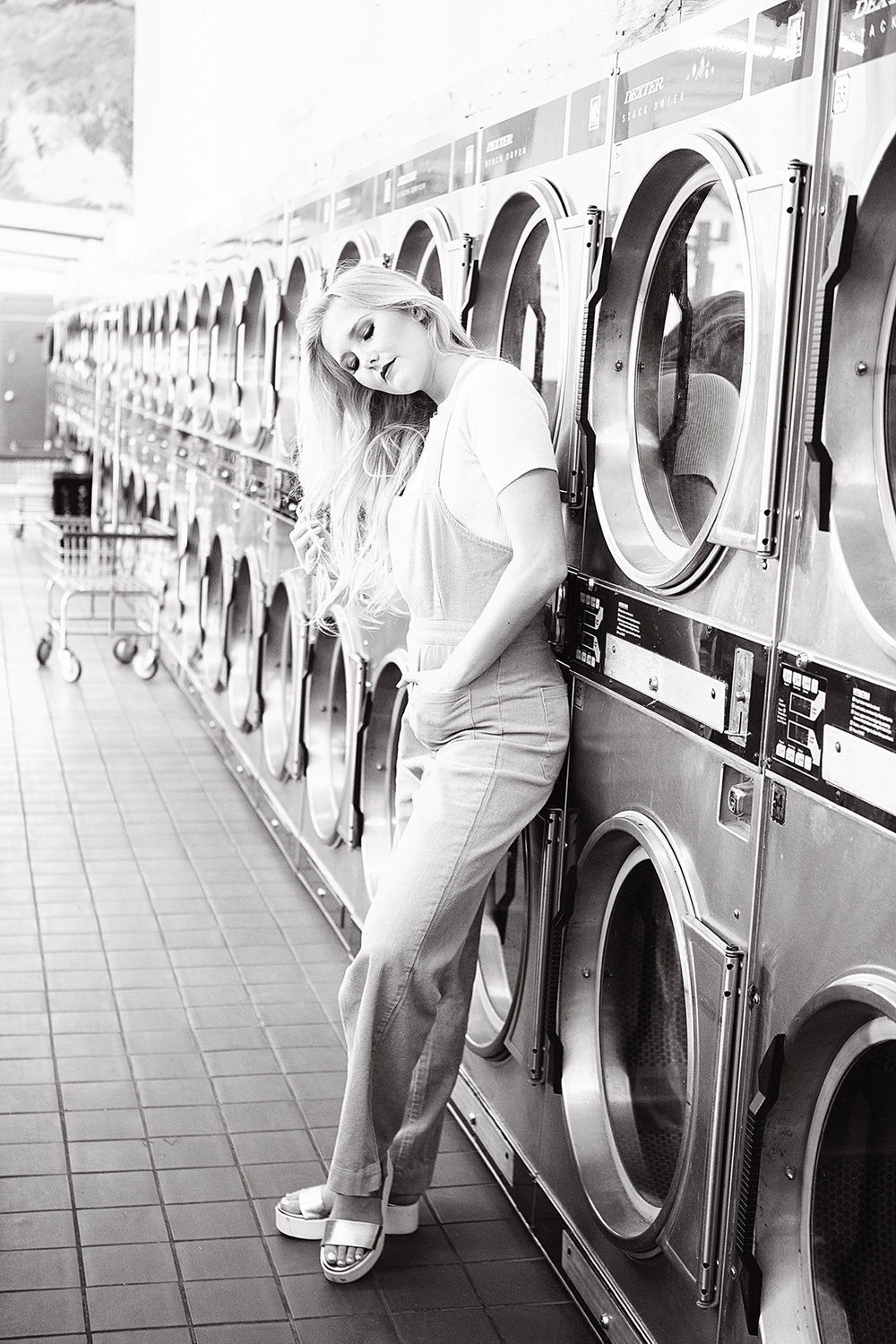 laundromat editorial senior pictures - christina ramirez photography 020