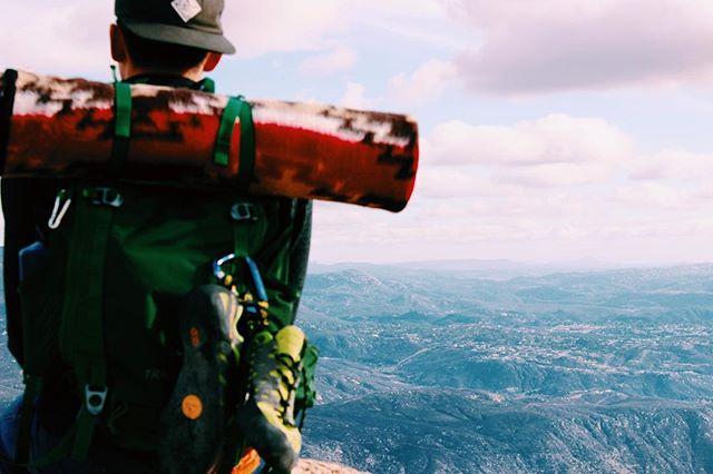 Successful Sunday. Hiking and free climbing. 🗻 #optoutside #freeclimbing #shotoncanon #summit #seekandenjoy #liveevident #rei1440project