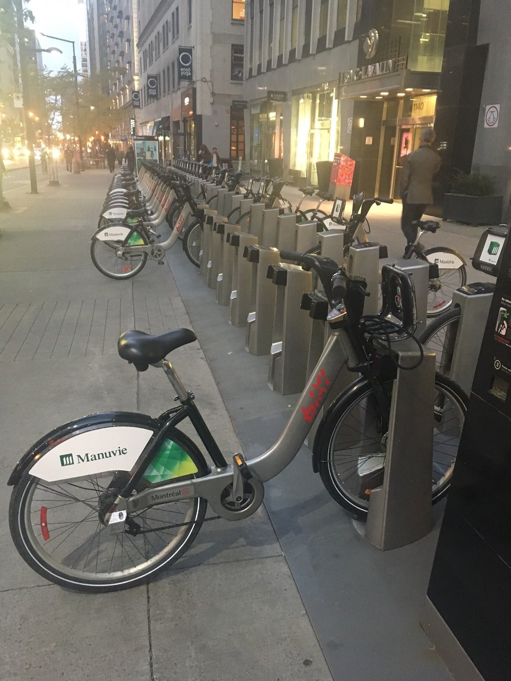 Large bikeshare station in Montreal.jpg
