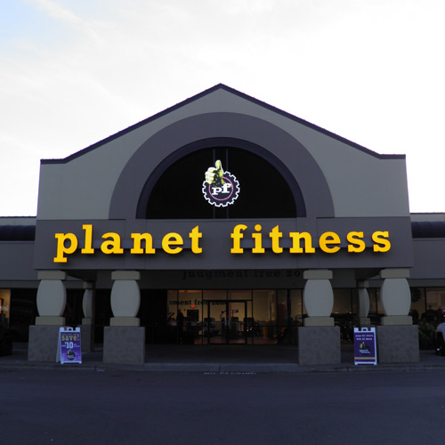 planet fitness gym store front