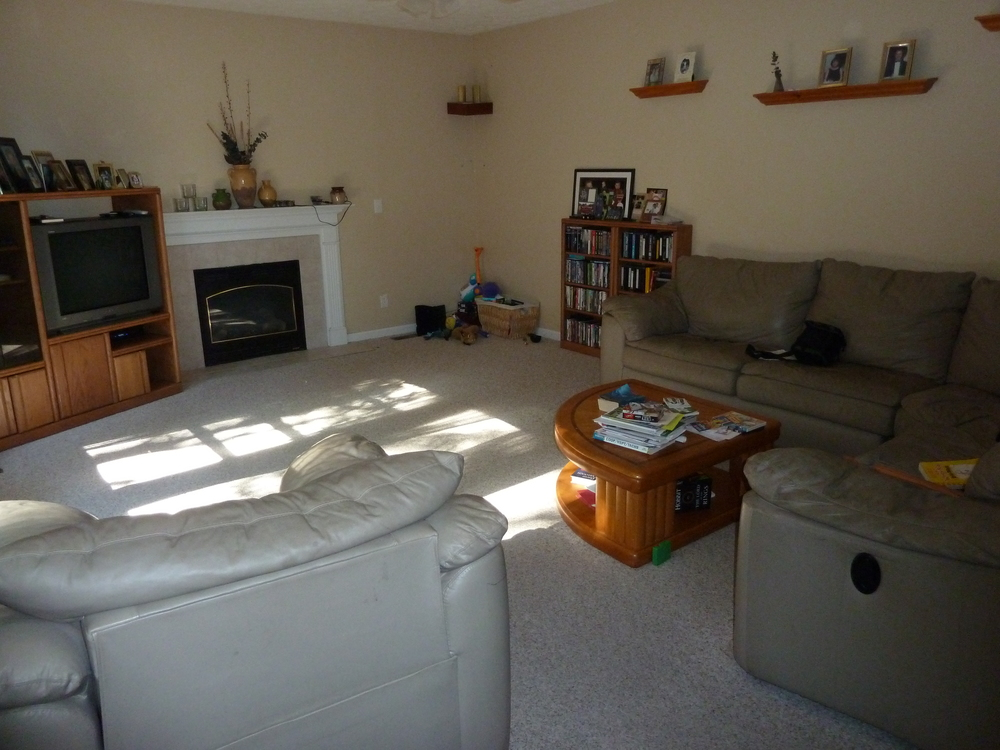Family Room before laminate floors