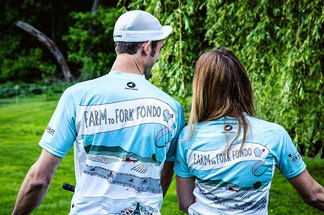 This Sunday we will be introducing the new 2019 Farm to Fork Fondo Jersey & Artist Collection. Each year we team up with @pactimo_official Custom and a local artist to design a brand new set of merchandise to commemorate your experience.⁣⠀ Before we reveal the new design let's take a look back at the 2017 Landscape design by @sdionbakerdesign ⁣⠀ ⁣⠀ ⁣⠀