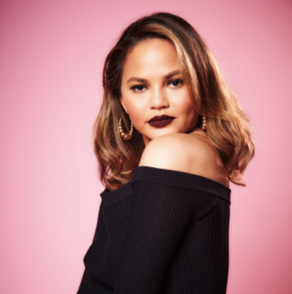 CHRISSY TEIGEN  // MODEL