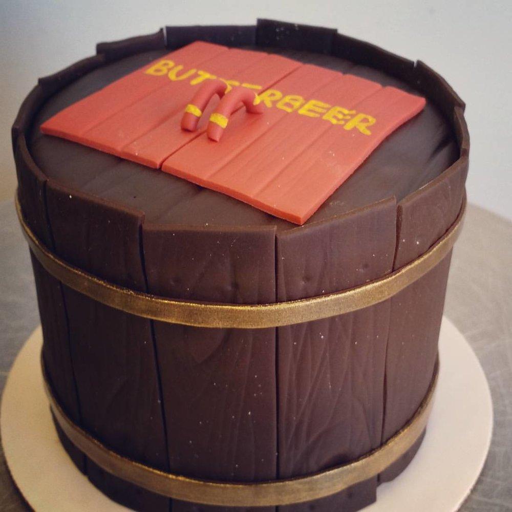 butterbeer keg cake.jpg
