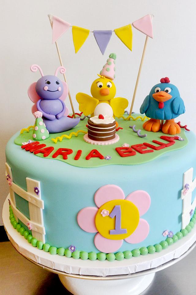 fondant figures party cake.jpg