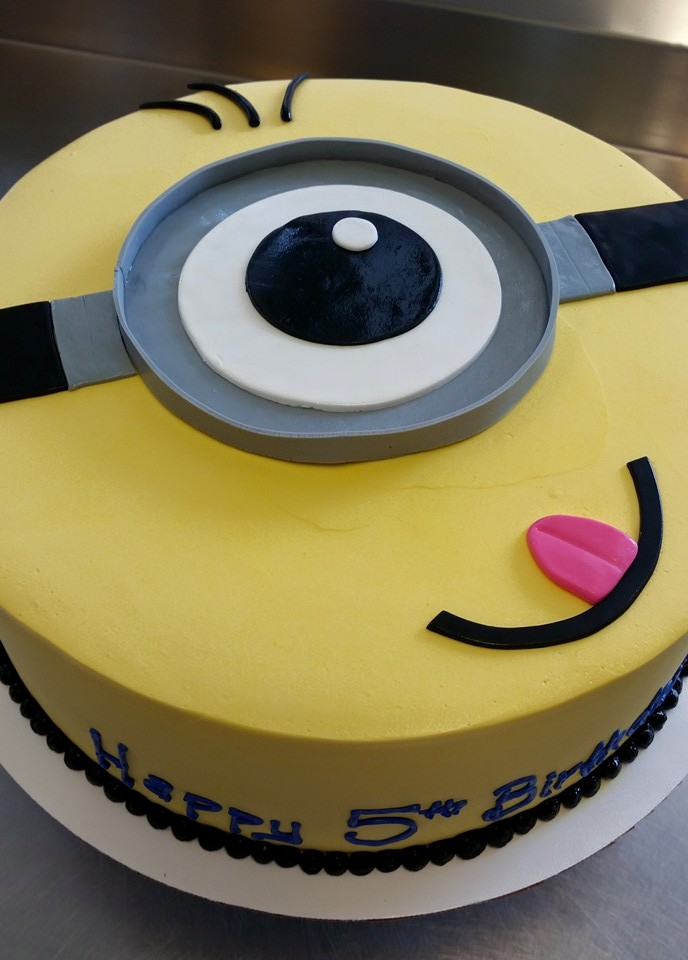 minion buttercream flat cake.jpg