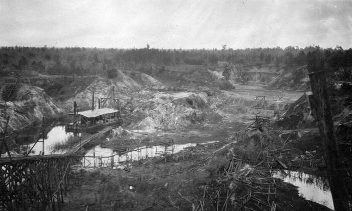 An old-timey picture of a rock phosphate mine, because this post, like many others, has gotten pretty long and I need to break it up a little. That and actual rock phosphate isn't really much to look at. Public domain image; retrieved from altervista.